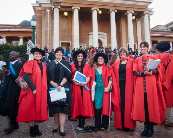 Well done graduates! (From L-R) Rachel Cooper (PhD),Louise Gammage (MSc), Kate Watermeyer (PhD), Emily McGregor (PhD) with supervisors A/Prof Astrid Jarre and Dr Lynne Shannon. Thank you, Malcolm Venter, for the lovely photo.